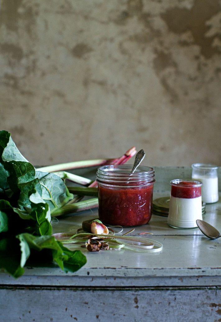Rhubarb & strawberries panna cotta.