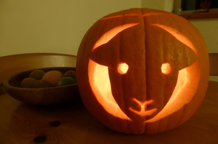 Herdy Pumpkin Carving for Halloween