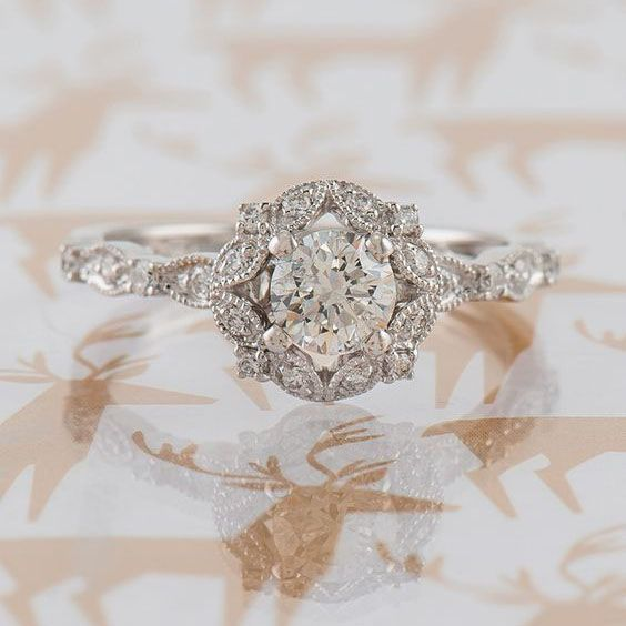 22 Vintage Engagement Rings to Make your Heart Melt #weddingrings #engagementrin…