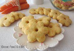 Biscotti alle carote http://blog.giallozafferano.it/greenfoodandcake/tagliatelle-di-zucchine-con-noci-e-basilico/