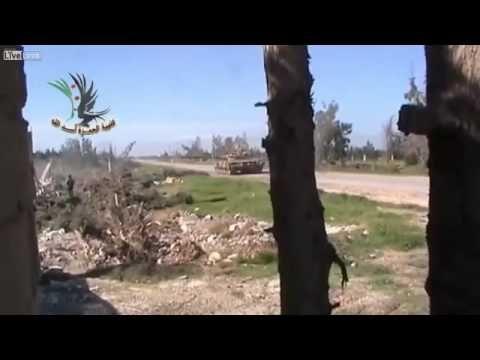 [軍事]シリア内戦 T-72、砲身に手榴弾を投げられ大破