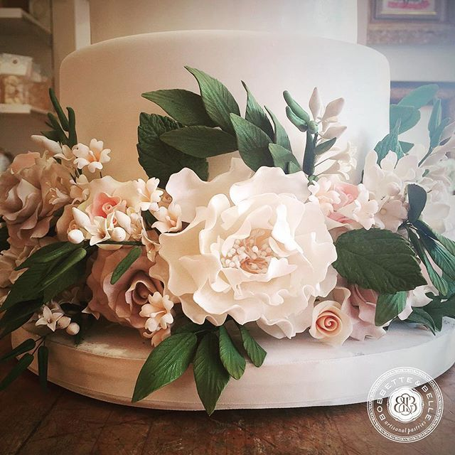 #bobbetteandbelle #cakes #bakery #toronto #weddingcakes #August_2015