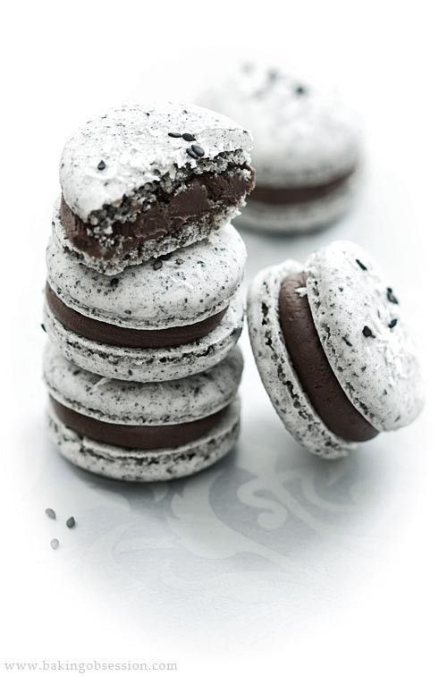 Oreo chocolate macarons, omg, yes!