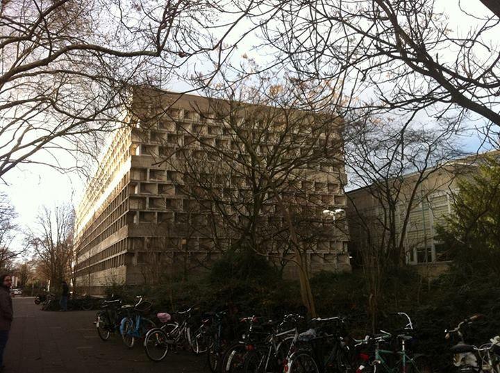 Uni-Bibliothek, Uni-Hörsaal( by Rolf Gutbrod)