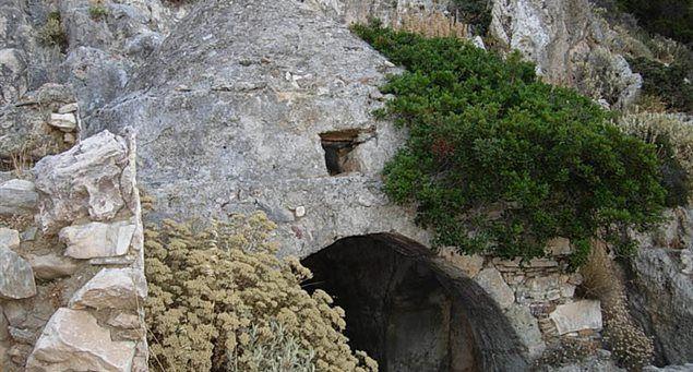 Kaloritsa cave-monastery | Naxos.gr