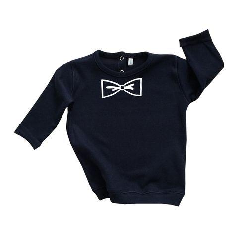 Organic Zoo | Jongens Sweater | Navy & Bow | €27.50|  Deze stoere navy kleurige trui is gemaakt van 100 % organisch katoen en afgewerkt met een wit strikje. #organiczoo #organischkatoen #organic #bow #navy