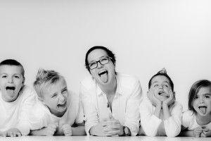 Photographe de famille enfant et cousin en seine et marne Melun