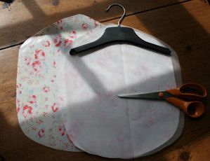 Making a simple peg bag  This seems easy enough but I think a straight cut across rather than a circle would be a lot easyer