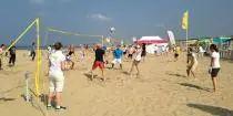 Beachvolleybal is zo gewoontjes, maar o zo leuk! Geniet van deze populaire teamsport op het strand. Speel mee met een een uitdagende beachvolleybal competitie in het mulle zand. Een sportieve teambuilding activiteit om samen met je vrienden, familie of collega's een keer te doen! Gooi jij een balletje op? - See more at: http://www.a-wayevents.nl/nl/bedrijfsuitjes/beachvolleybal-scheveningen#sthash.9biZdF7J.dpuf