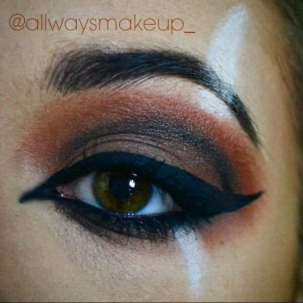 Scar from Disney's The Lion King eye makeup by AllWaysMakeup #scar #disney #makeup #thelionking #villain #eyemakeup