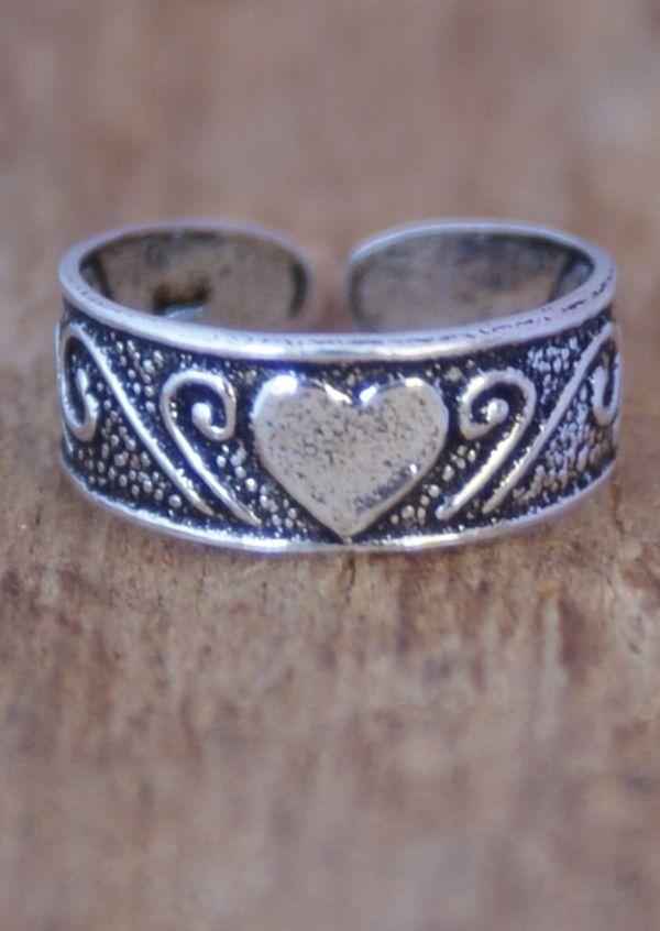 Karma East - Silver Heart Toe Ring