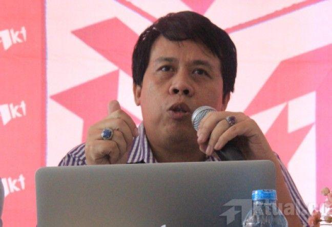 Jakarta, Aktual.com – Permintaan DPRD se-Indonesia untuk naik gaji dan tunjangan hingga 200 persen di APBD tahun 2016, menuai kecaman.