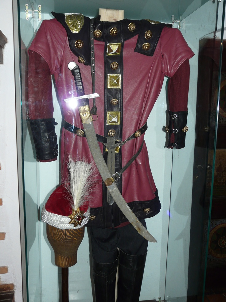 No one thinks Vlad/Dracula actually wore this.  But it looks like something he may have worn.
