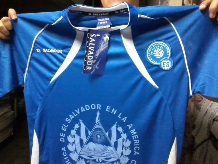 This is my brand new El Salvador jersey. A present from my sister.