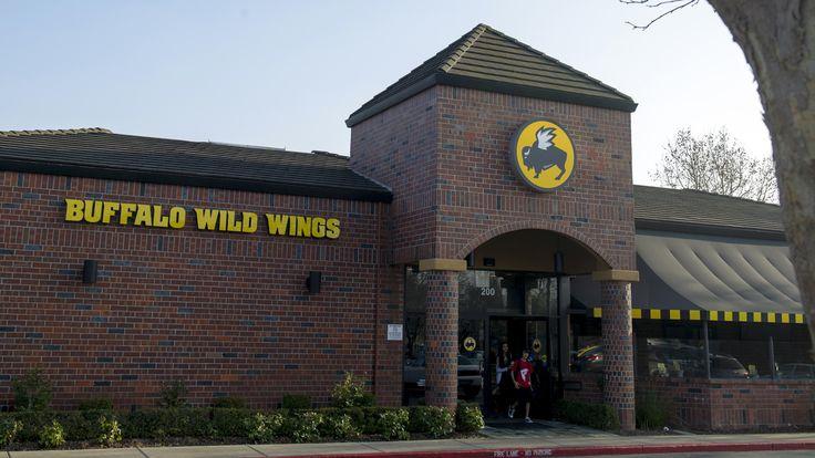 Buffalo Wild Wings Plunges After Slashing Its Forecast