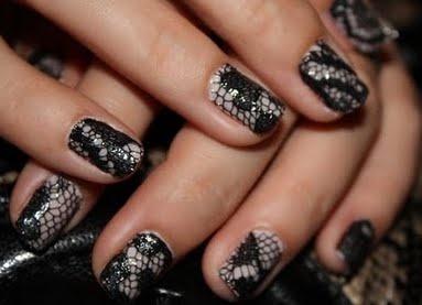 Black lace #nailartNails Trends, Nailart, Nails Design, Diy Tutorial, Manicures, Black Laces, Nails Polish, Lace Nails Art, Nail Art