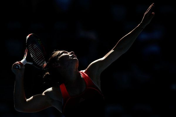 Simona Halep of Romania serves in her match against Karolina Pliskova of the Czech Republic during day four of the Sydney International at Sydney Olympic Park Tennis Centre on January 13, 2016 in Sydney, Australia. (Jan. 12, 2016 - Source: Mark Metcalfe/Getty Images AsiaPac)