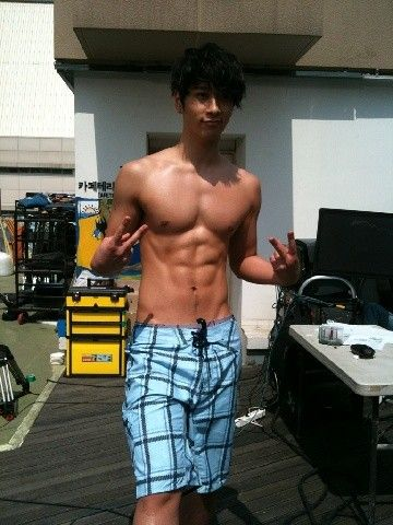 i wanna touch chansungs abs so bad all about 2pm