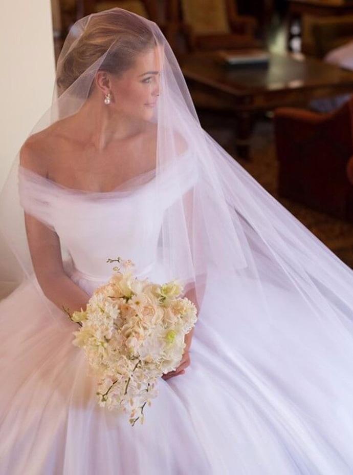 White Wedding Dresses,Tulle Off the Shoulder bridal dresses,Princess Wedding Dre…