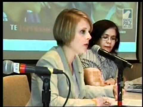 """Cobertura por Noticias 13 de la mesa redonda con los medios que se celebró el miécoles 13 de junio de 2012, conjunamente a la Asociación de Médicos Tratantes de VIH de Puerto Rico y el Departamento de Salud.    """"Hazlo bien... hazlo por ti""""     DIA NACIONAL DE HACERSE LA PRUEBA DE VIH: Miércoles, 27 de junio de 2012    Para más información llama al 787 673 8212    www.facebook.com/HazloBien"""