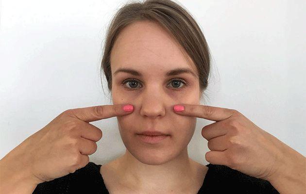 Kelpaisiko sinulle ilmainen ja ilman kirurgin veistä onnistuva kasvojenkohotus? Kasvojumppa saattaa näyttää hullunkuriselta irvistelyltä, mutta sitä kannattaa kokeilla: vuosien luvataan karisevan kasvoilta ja dekolteelta jo muutamassa viikossa. Lisäksi ilmeily rentouttaa ja piristää.