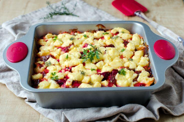 Ricetta Sformato di patate e barbabietole PREPARAZIONE : 35 minuti COTTURA: 35 minuti PER 4 PERSONE Ingredienti 400 g di patate  200 g di ricotta  1 cipolla  1 barbabietola  1 tuorlo d'uovo Qualche rametto di rosmarino  latte qb, burro qb, sale, pepe.  - Scopri la ricetta: http://www.granarolo.it/Ricette/Sformato-di-patate-e-barbabietole