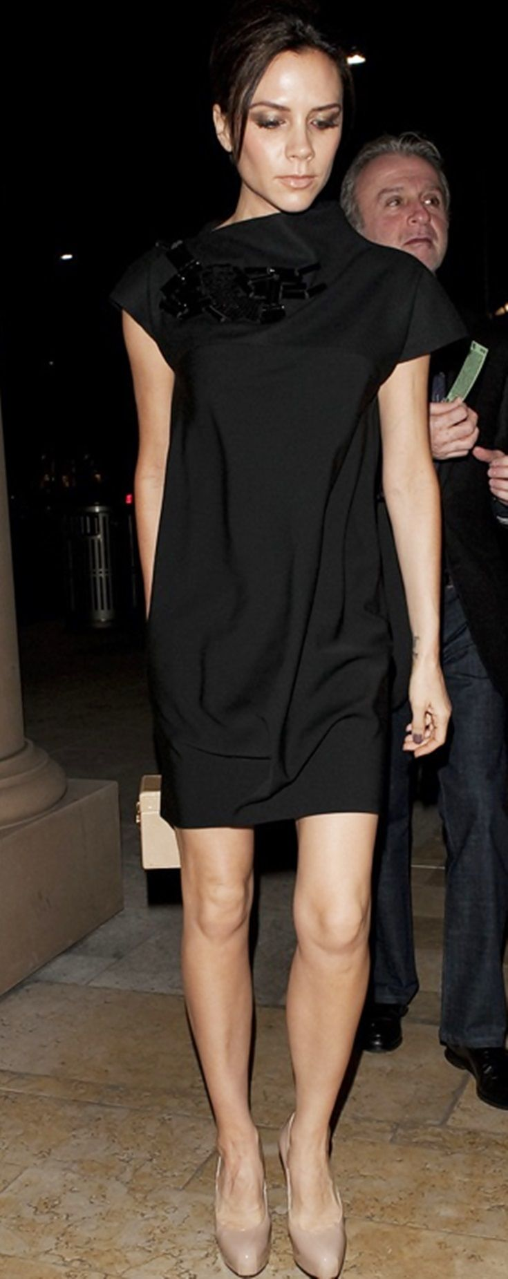I love Victoria Beckham's style. Sleek, sophisticated and sexy with a little extra something.