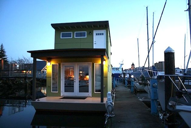 Tiny 550 Square Foot Green 'Sweet Pea' Houseboat: Floating Home, Green Houseboats, Tiny House, Sweetpea, Dreams, House Boats, Real Estates, Tiny Green, Sweet Peas