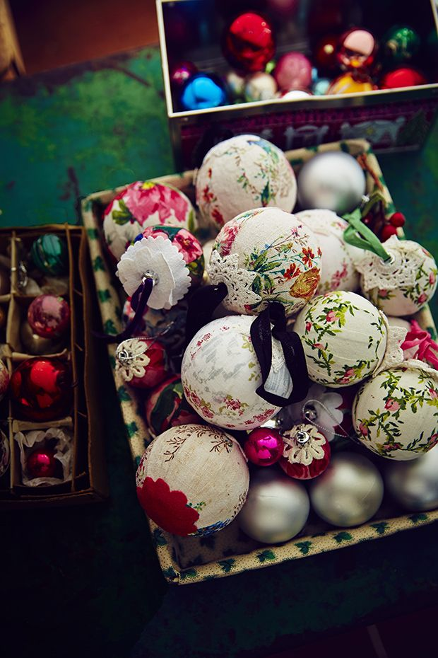 Use favourite floral designs to give these fabric-covered baubles a light, pretty feel.