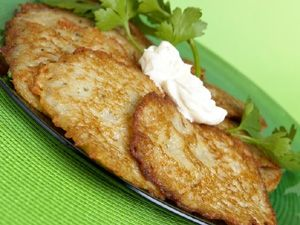 Recipe for Potato Cakes: Ingredients 1/4 cup self-raising flour 1 1/2 teaspoons salt pinch pepper 2 eggs 1 small onion 1 tablespoon chopped parsley 500 g potatoes 60 g butter