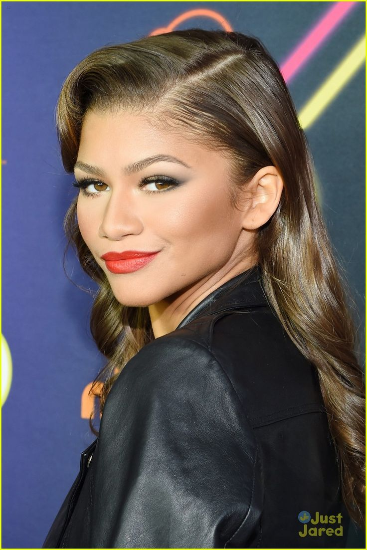 Zendaya oozes old Hollywood glamour as she arrives for the 2014 Nickelodeon HALO Awards in New York City on Saturday night (November 15).