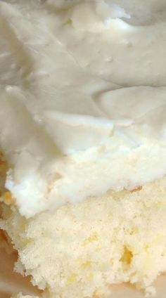 Crushed Pineapple Cake ~ So moist and delicious... The taste of pineapple in both the cake and the frosting is sooo yum!