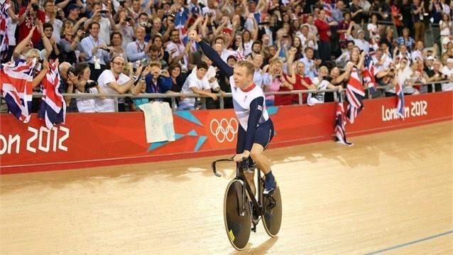 Sir Chris Hoy celebrating a new world record