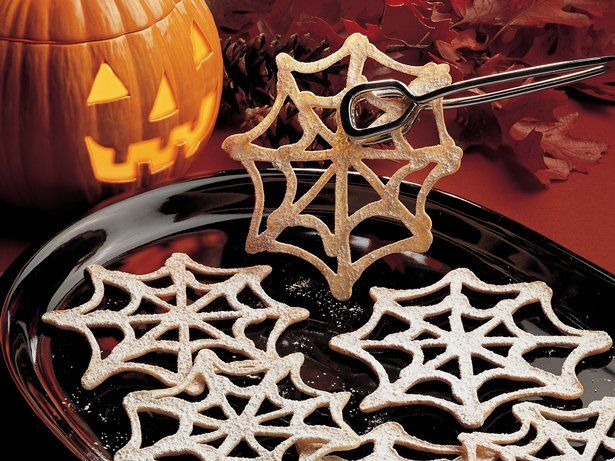 Spinneweb koekjes. Vervang de suiker door appelstroop! #halloween @ www.healthandrunning.nl