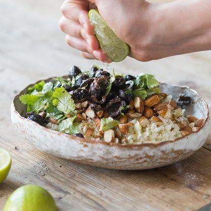 Wie du aus Blumenkohl, Mandeln und Oliven Couscous machst_featured