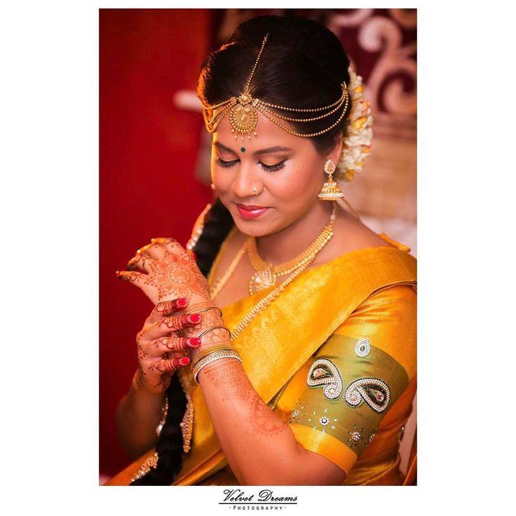 Stunning Nisha on her wedding day ✨ Hair and make up by @thushi_mua | Saree by @va_di_vu #bridegoals #familyovereverything #tamilweddings #tamil #weddingphotography #weddingreception #tamilgirl #srilanka #london #londonphotographer #asianbridesblog #yellowmellow #goldenmoments #weddinghighlight hennai #sinhala #sinhalese #sinhalawedding