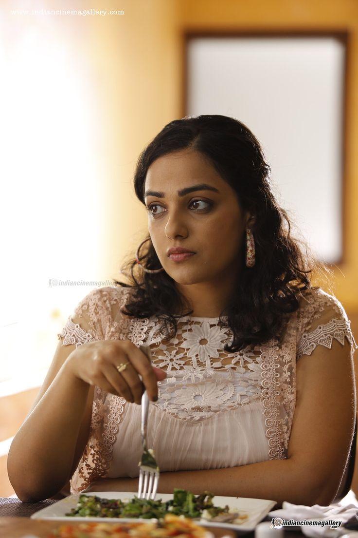 Nithya-Menon-in-100-days-of-love-movie-(4)