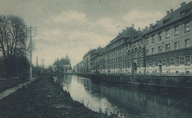 Mlynský náhon okolo roku 1928.