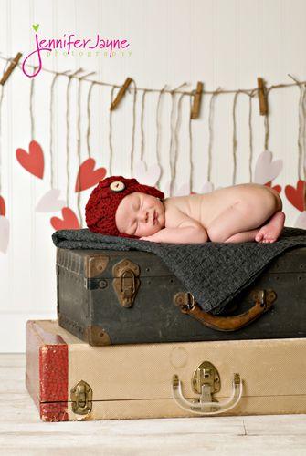 Newborn Valentines Day mini session