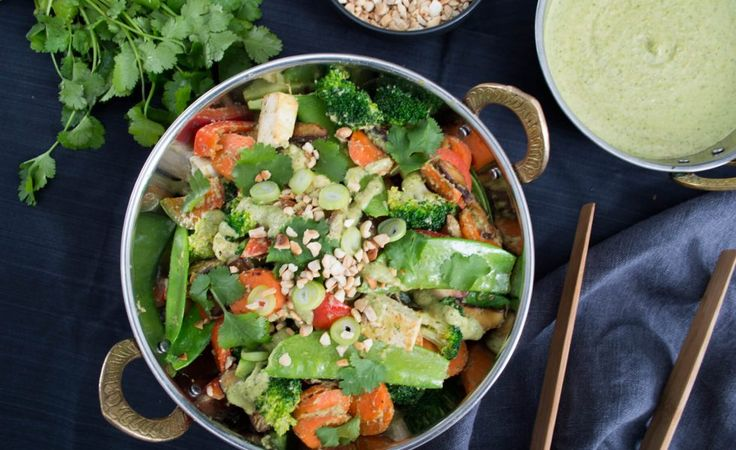 Well Nourished ⎮ Thai Vegetable Stir Fry, a healthy, vegan meal
