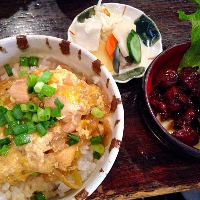 とろとろ親子丼 甲府鳥もつ煮 お新香盛り - 15件のもぐもぐ - 賄い飯 by タベルナtaro