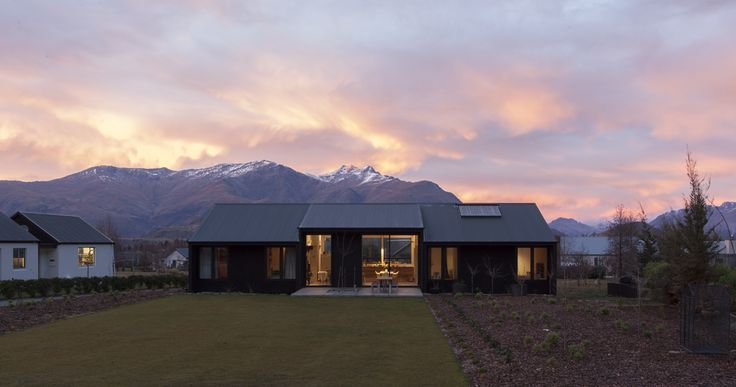 Assembly Architects Limited - Wright House, Arrowtown, New Zealand. Photograph by Simon Devitt. www.assembly.co.nz