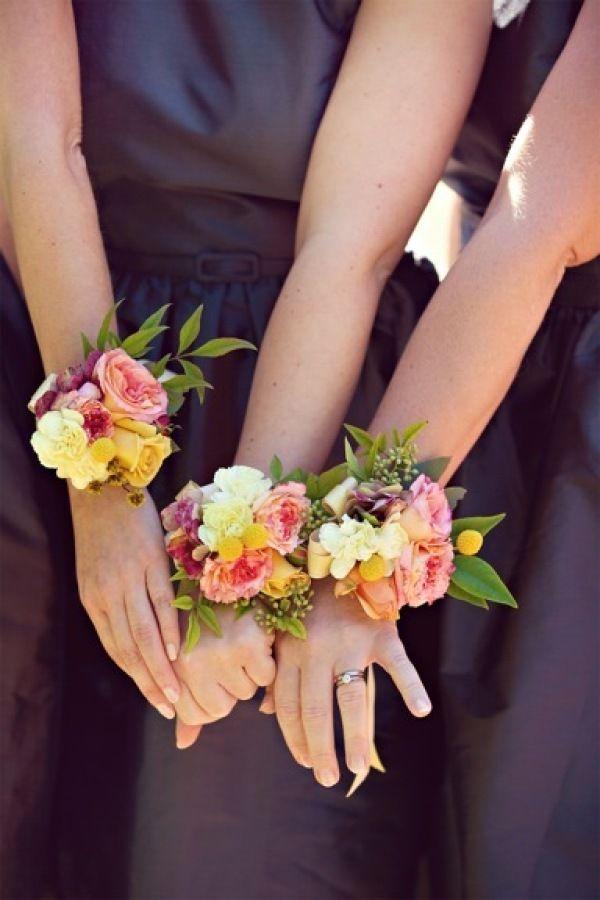 Weddings wrist corsages - Bridesmaids corsages - Photography by beautifulmoments.com.au, Floral Design by myviolet.com.au