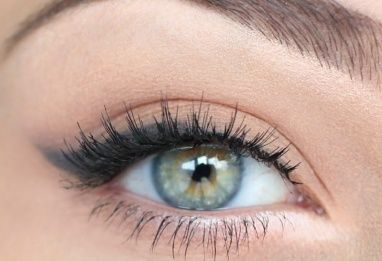 Classic cat eye, combined with subtle eyeshadow. Her eyes are even similar to mine! Which is rare.    11--Makeup or Nails #modcloth #wedding