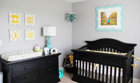 quarto de bebê cinza, amarelo e turquesa