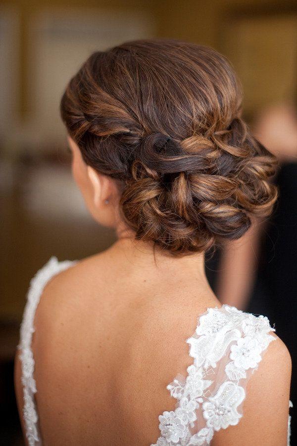 Gorgeous wedding hair   Keywords: #weddinghairstyles #bridalhairstyle #jevelweddingplanning Follow Us: www.jevelweddingplanning.com  www.facebook.com/jevelweddingplanning/