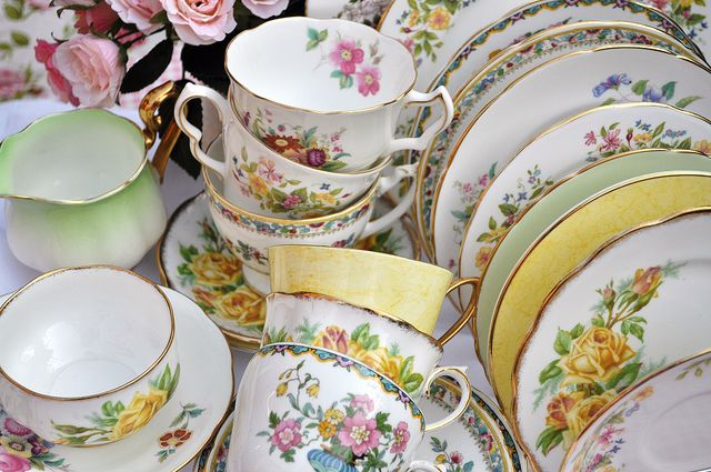 Vintage Mixed China Tea Set and Cake Stand by cake-stand-heaven, via Flickr                                                                                                            Vintage Mixed China Tea Set and Cake ...             by        cake..