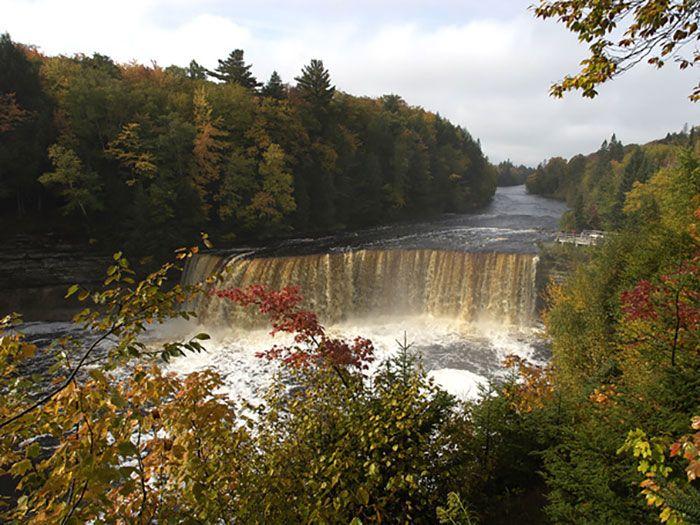Tahquamenon Falls State Park. Beautiful waterfalls. | Lake ...