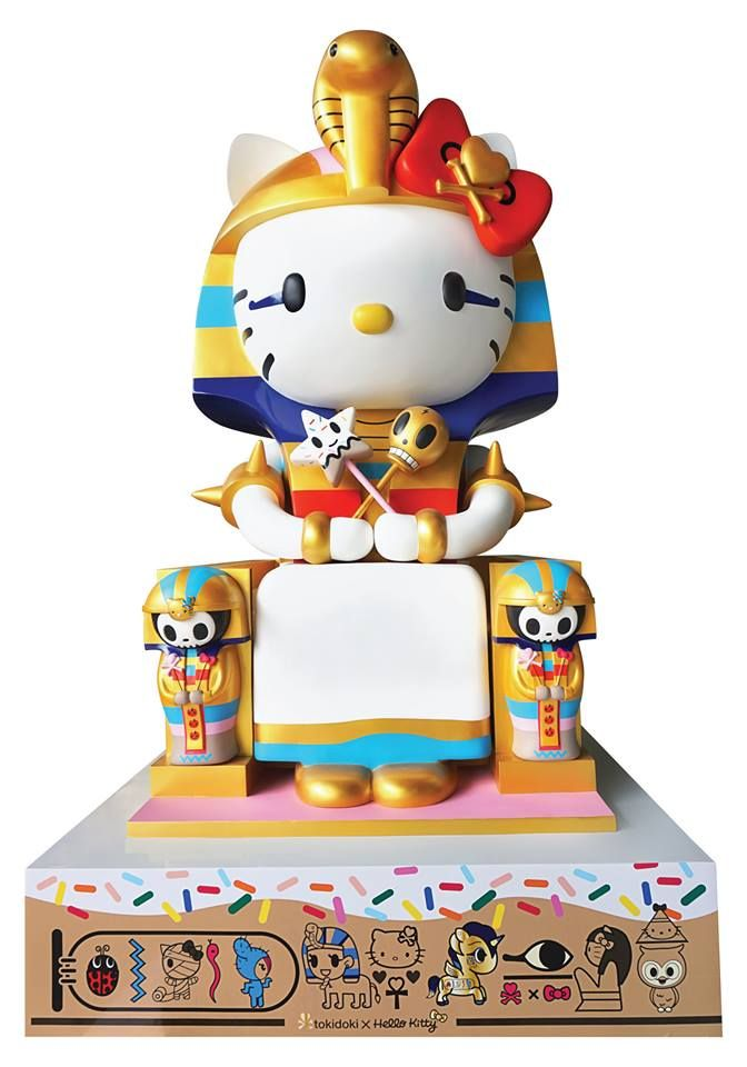 Larger-than-life 10 ft tall #Kittypatra statue by #SimoneLegno - at the Japanese American National Museum's Hello! Exploring the Supercute World of Hello Kitty art exhibit