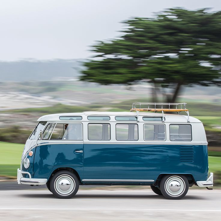 The freedom to hit the road and simply go wherever you want, whenever you want – many people associate this thought with the classic Volkswagen Microbus.
